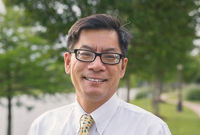 Professer Quyen Chu gives back to dartmouth